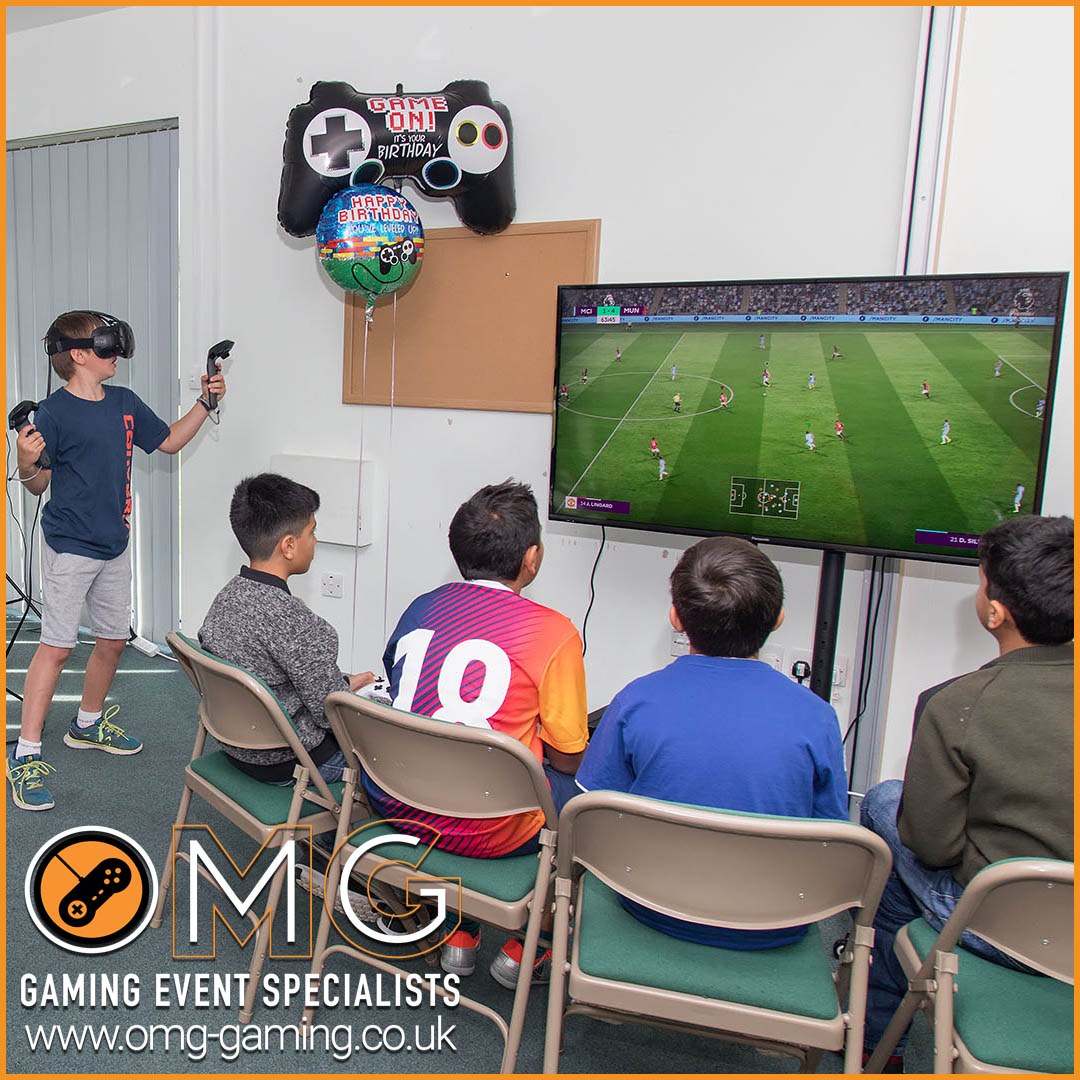 Console gaming and Virtual Reality Experience at a boys birthday party